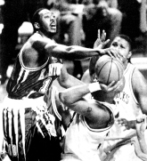 Two days later, the Hogs rebounded with a convincing win against Allen Iverson and No. 14 Georgetown. The Razorbacks regrouped from there, and put together a ho-hum campaign of 25-5 that included a last-minute victory over No. 5 Kentucky on Super Bowl Sunday. The Wildcats later avenged the loss in the SEC Tournament Championship.