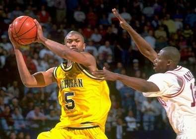 Michigan wasn't the Fab Five in 1994 -- having lost Chris Webber to NBA -- but the Wolverines still boasted All-Americans Jalen Rose and Juwan Howard. Arkansas used a team effort to overcome a 30-point outburst from Howard to advance to the Final Four.