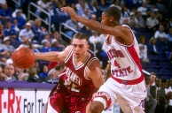Any anxiety fans had for the 1998 campaign was put to rest early. Arkansas opened the season with 10 straight wins, which included victories over No. 12 Fresno State and Louisville. By December the Hogs were ranked in the top 25, where they would stay for the remainder of the season, reaching as high as No. 12. Arkansas returned to the NCAA Tournament, but fell in the second round to eventual national runner-up Utah.