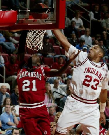 Thanks to its dramatic run in the SEC Tournament, Arkansas earned a No. 9 seed in the NCAA Tournament. The Razorbacks took down Indiana and future NBA lottery pick Eric Gordon to snag their first Big Dance victory since 1999. In a prelude of future tournament heartache, though, North Carolina slaughtered the Hogs in the second round.
