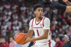 On paper, Arkansas seemed capable of making the Big Dance when Daniel Gafford returned for his sophomore year. The Hogs had two talented guards in Isaiah Joe and Mason Jones, and battled to a 5-4 SEC record by early February.